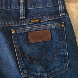 Wrangler jeans! Host Pick!😃